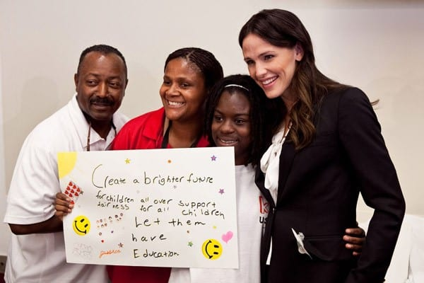 Jennifer Garner with Children from the Boys & Girls Club of Annapolis