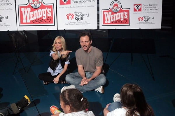 Kristin Chenoweth & Tony Goldwyn Support the Dave Thomas Foundation for Adoption