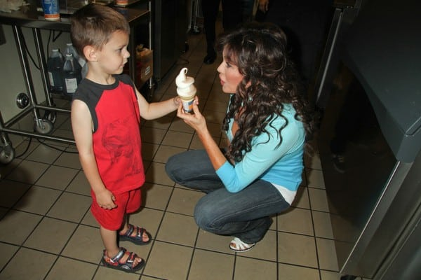Marie Osmond at Dairy Queen for 'Miracle Treat Day' Benefitting Children's Miracle Network Hospitals in Las Vegas on August 5, 2010