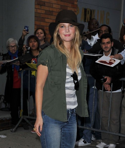 Drew Barrymore visits the 'Daily Show with Jon Stewart' on August 25, 2010 in New York City.
