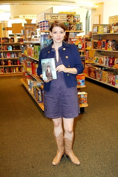 Amber Benson's 'Among Ghosts' Book Signing at Barnes and Noble in Encino, California on September 12, 2010