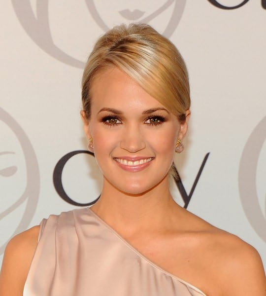 Carrie Underwood attends Olay's Challenge What's Possible campaign launch at Top of the Rock's 620 Loft & Garden on September 8, 2010 in New York City.