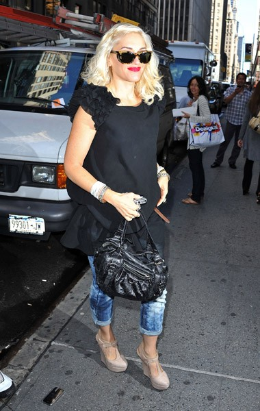 Gwen Stefani seen on the streets of Manhattan on September 14, 2010 in New York City.