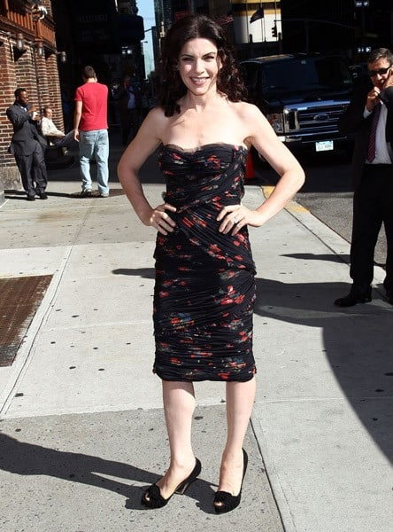 Julianna Margulies visits 'Late Show with David Letterman' at the Ed Sullivan Theater on September 8, 2010 in New York City.