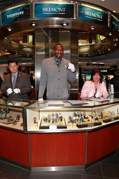 Amar'e Stoudemire, New York Knicks forward/center, marks the end of Daylight Savings Time 2010 at Tourneau Time Machine on November 6, 2010 in New York City.