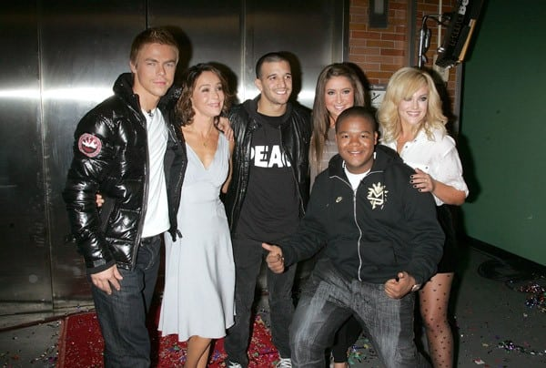'Dancing with the Stars' contestants Jennifer Grey, Derek Hough, Lacey Schwimmer, Kyle Massey, Mark Ballas and Bristol Palin visit 'Good Morning America' at ABC Studios on November 24, 2010 in New York City.