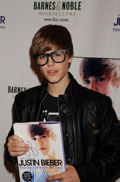 Justin Bieber Promotes His Book, 'Justin Bieber, First Step 2 Forever: My Story', at Barnes & Noble at the Grove in Los Angeles on October 31, 2010