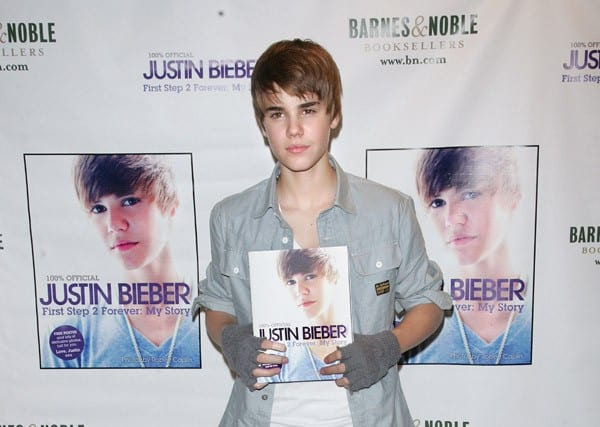 Justin Bieber promotes his new book 'First Step 2 Forever' at Barnes & Noble, 5th Avenue on November 26, 2010 in New York City.