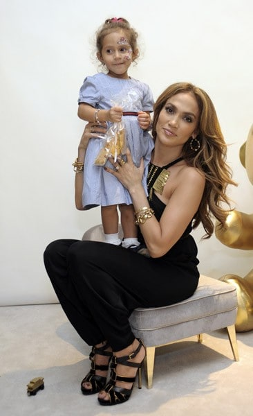 Jennifer Lopez attends the Gucci Children's Collection event on November 20, 2010 in Beverly Hills, California.
