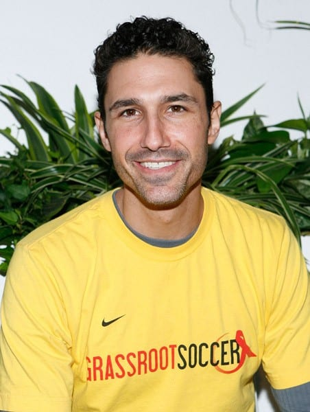 Ethan Zohn attends the ING New York City Marathon celebrity runners media call in Central Park on November 5, 2010 in New York City.