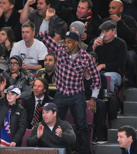 Tyson Beckford attends the Pittsburgh Penguins vs New York Rangers game at Madison Square Garden on November 29, 2010 in New York City.