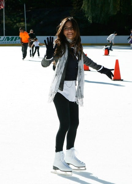 Vanessa Marcil Giovinazzo attends the launch of the Glide Into the Holidays program to benefit Operation Smile at Wollman Rink, Central Park on November 11, 2010 in New York City.
