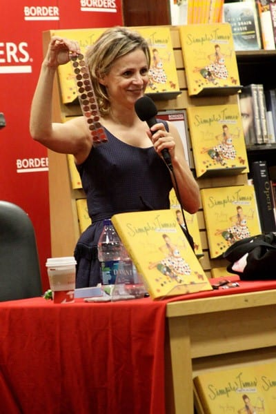 Amy Sedaris promotes her new book 'Simple Times: Crafts For Poor People' at Borders Columbus Circle on December 2, 2010 in New York City.