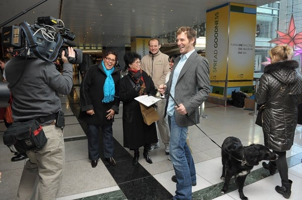 Josh Lucas Helps Purina Donate $1 Million