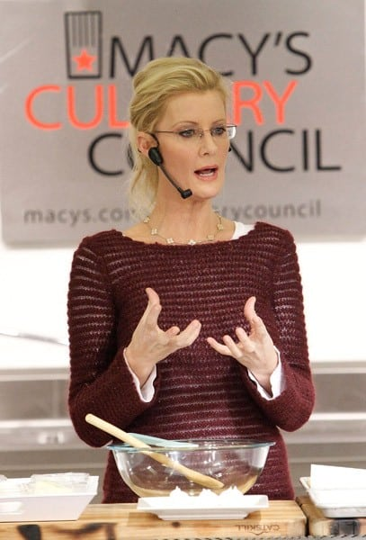 Sandra Lee promotes 'Sandra Lee Semi-Homemade The Complete Cookbook' And 'Sandra Lee Semi-Homemade Comfort Food' at Macy's Herald Square on December 9, 2010 in New York City.