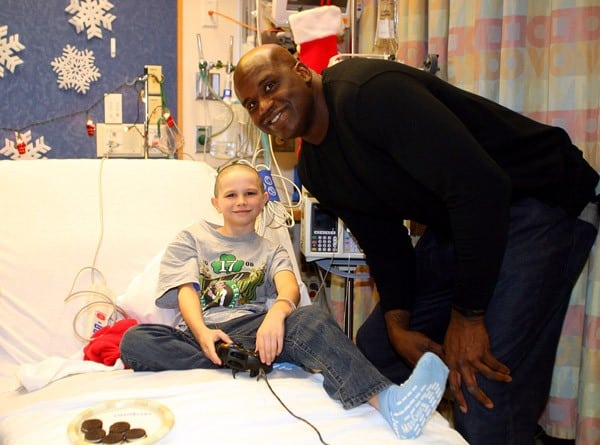 Shaquille O'Neal visits a patient at Children's Hospital Boston on December 6, 2010 in Boston, Massachusetts.