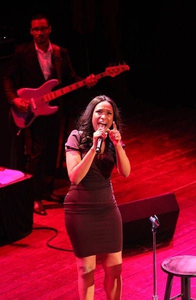 Actress/Singer Jennifer Hudson performs at the House Of Blues Chicago on January 10, 2011 in Chicago, Illinois.