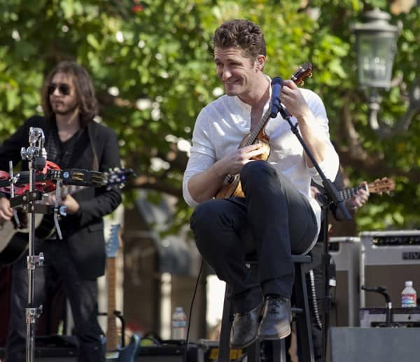Actor Matthew Morrison performs at his Free Live Concert at The Grove on January 29, 2011 in Los Angeles, California.