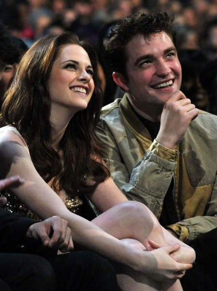 Kristen Stewart and Robert Pattinson attend the 2011 People's Choice Awards at Nokia Theatre L.A. Live on January 5, 2011 in Los Angeles, California.