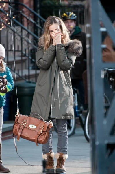 Sarah Jessica Parker During 'I Don't Know How She Does It' Filming on Henry Street in Brooklyn Heights on February 23, 2011 in New York City