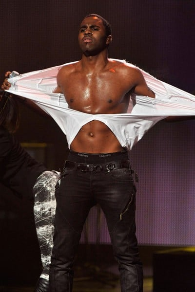 Musician Jason Derulo performs onstage during VH1's Pepsi Super Bowl Fan Jam at Verizon Theater on February 3, 2011 in Grand Prairie, Texas.