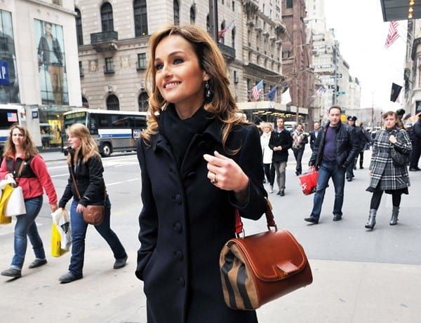 Writer/TV personality Giada De Laurentiis poses with Fendi's Sylvana Handbag outside the Fendi 5th Avenue Boutique on March 14, 2011 in New York City.