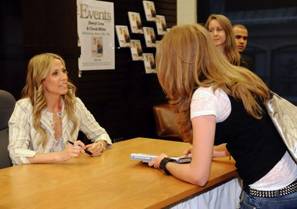 Sheryl Crow Signs Copies Of Her Book 'If It Makes You Healthy' at Barnes & Noble bookstore at The Grove on March 30, 2011 in Los Angeles, California.
