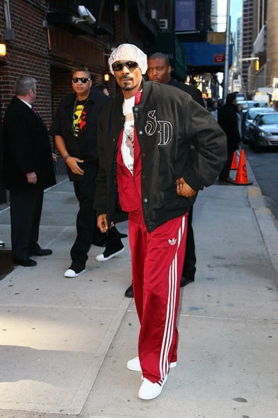 Snoop Dogg arrives at 'Late Show With David Letterman' at the Ed Sullivan Theater on March 29, 2011 in New York City.
