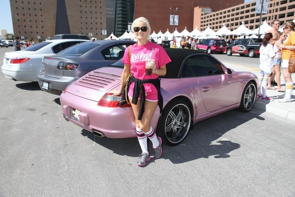 Holly Madison Attends the 21st Annual AIDS Walk at the World Market Center in Las Vegas, Nevada on April 17, 2011