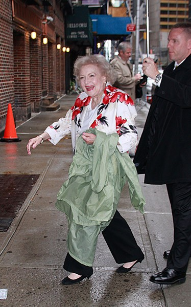 Actress Betty White visits 'Late Show With David Letterman' at the Ed Sullivan Theater on May 4, 2011 in New York City.