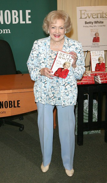 Betty White signs copies of 'If You Ask Me (And Of Course You Won't)' at Barnes & Noble, 5th Avenue on May 6, 2011 in New York City.