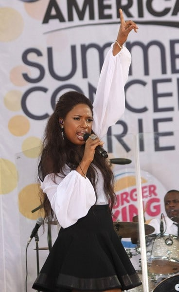 Singer Jennifer Hudson performs on ABC's 'Good Morning America' at Rumsey Playfield, Central Park on June 10, 2011 in New York City.