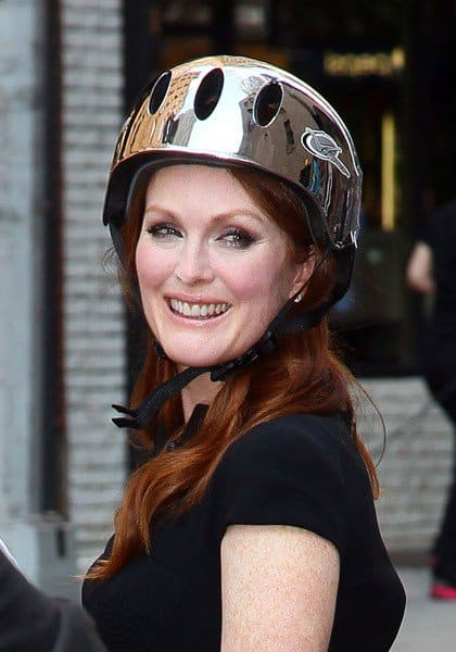 Julianne Moore visits 'Late Show With David Letterman' at the Ed Sullivan Theater on July 26, 2011 in New York City.