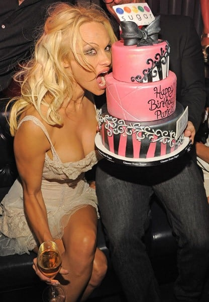 Pamela anderson celebrates b day in vegas contact any - Pamela anderson the people garden ...