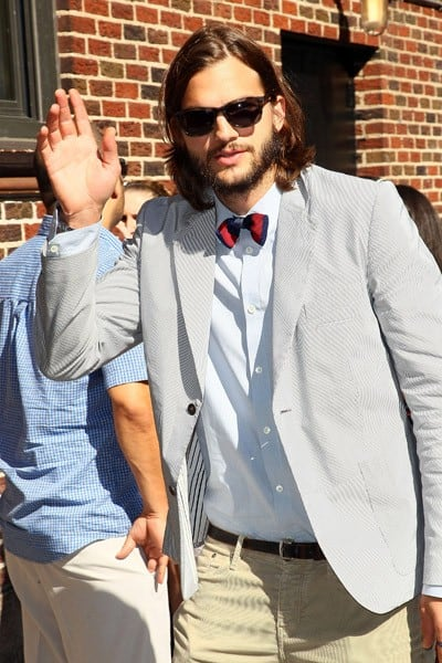 Actor Ashton Kutcher arrives to 'Late Show With David Letterman' at the Ed Sullivan Theater on August 24, 2011 in New York City.