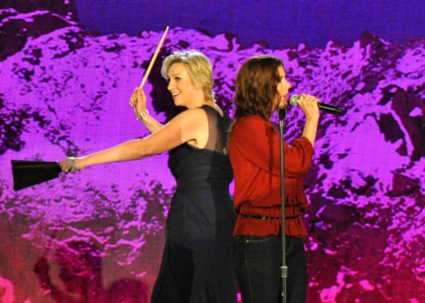 Host Jane Lynch and Wendy Wilson perform onstage during the 2011 VH1 Do Something Awards at the Hollywood Palladium on August 14, 2011 in Hollywood, California.