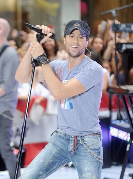 Enrique Iglesias performs on NBC's 'Today' at Rockefeller Plaza on August 19, 2011 in New York City.