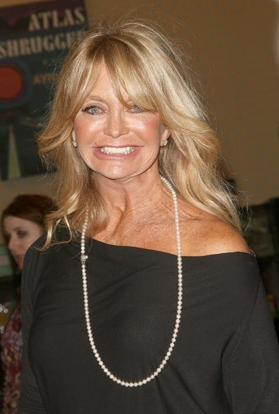 Goldie Hawn promotes '10 Mindful Minutes' at Barnes & Noble Tribeca on September 27, 2011 in New York City.