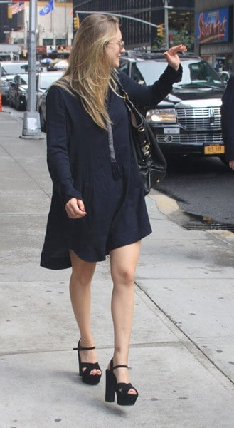 Actress Kaley Cuoco is seen arriving at the 'Late Show With David Letterman' at the Ed Sullivan Theater on September 29, 2011 in New York City