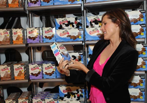 Molly Shannon reveals the latest product from Skinny Cow, new Skinny Cow Candy, at IT'SUGAR at Universal CityWalk on September 1, 2011 in Los Angeles, California.