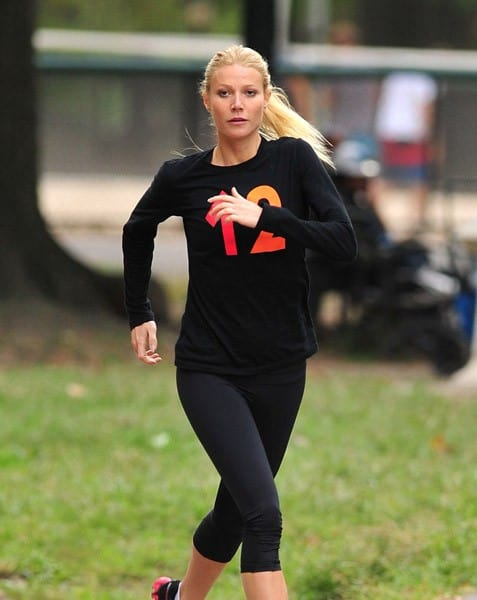Gwyneth Paltrow filming on location for 'Thanks for Sharing' on October 11, 2011 in New York City.