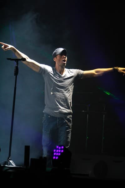 Enrique Iglesias performs at Madison Square Garden on November 4, 2011 in New York City.