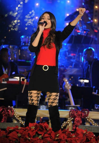 Victoria Justice, Sean Kingston performs at the Hollywood Christmas Celebration and Tree Lighting at The Grove on November 13, 2011 in Los Angeles, California.