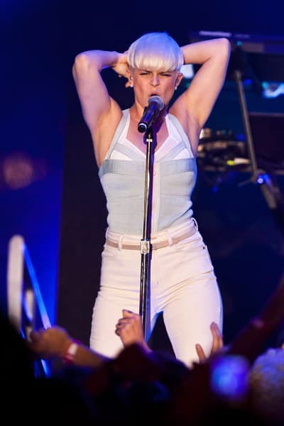 Singer Robyn performs at the MTV O Music Awards 2 on October 31, 2011 in Los Angeles, California.