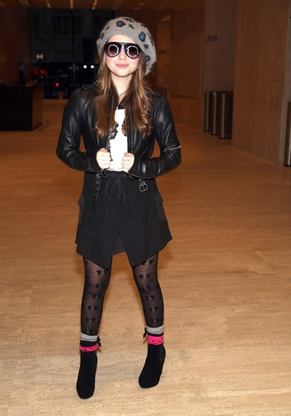Sammi Hanratty visits the offices of 'Boy Meets Girl' on November 6, 2011 in New York City.
