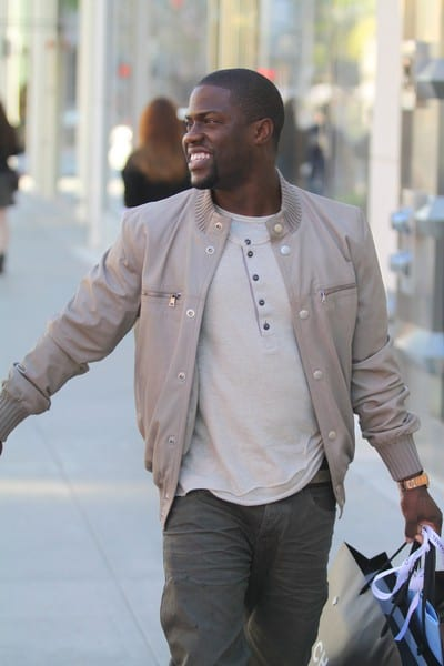 Kevin Hart is Spotted Shopping on Rodeo Drive in Beverly Hills, California on December 21, 2011