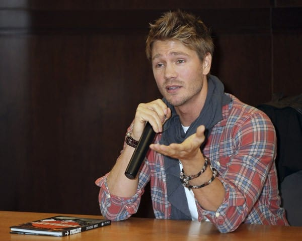 Chad Michael Murray signs copies of his new book 'Everlast' at Barnes & Noble bookstore at The Grove on December 1, 2011 in Los Angeles, California.